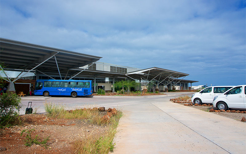 bus airport galapagos ecuador transfer vacations travel tours