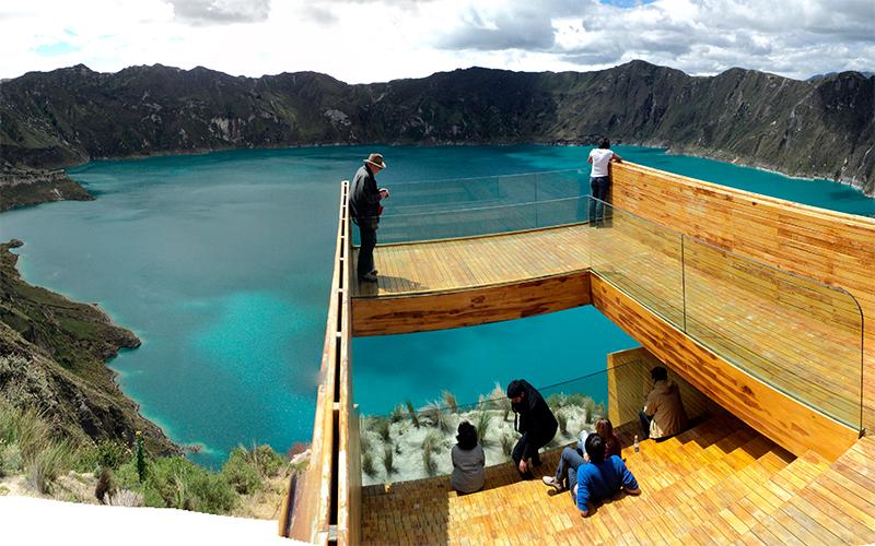 quilotoa ecuador highlands