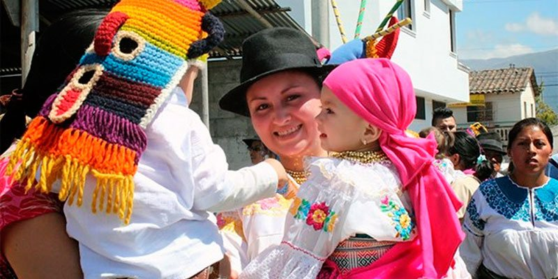 ecuador customs festivities folklore carnival otavalo