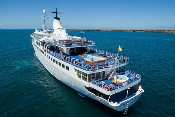 Galapagos Legend Cruise Ship Galapagos Islands Com - Cruise ships to the galapagos islands
